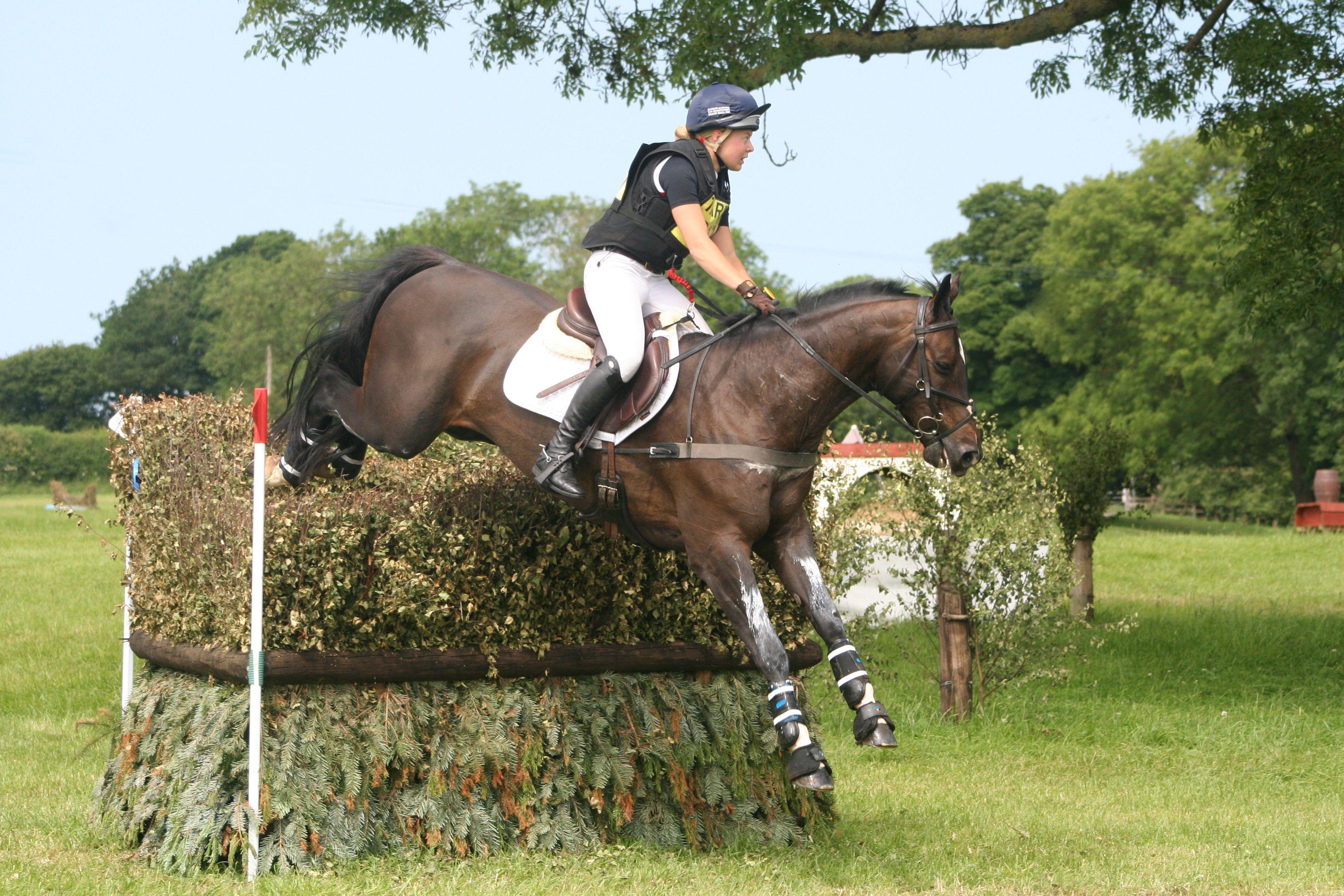 Teenager Mollie lands career best win at Nunney International